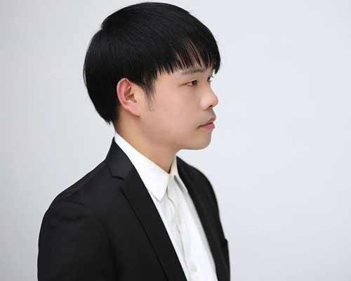 歌手王震《纸窗》.jpg